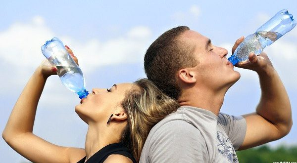 نوشیدن آب و نکات آن