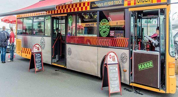 اتوبوس سیار مواد غذایی