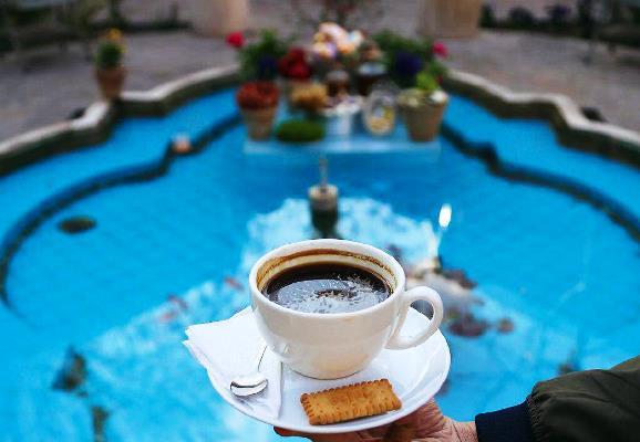 کافه بهاری