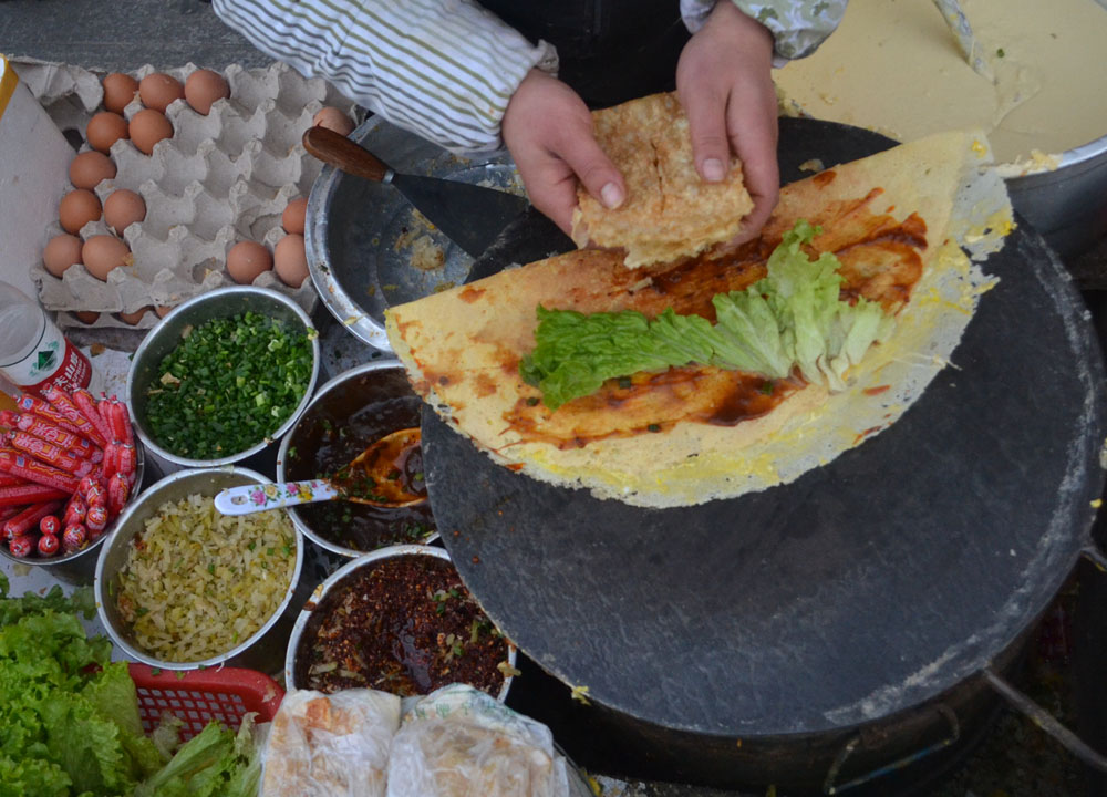 چرا صبحانه جیانبینگ در چین محبوبترین پاتوق صبحانه است