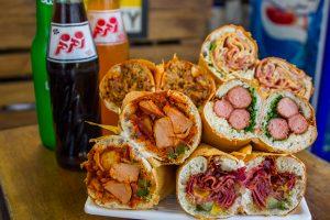 با ۱۰ ساندویچ فروشی قدیمی، خوشمزه و خسته تهران بیشتر آشنا شوید