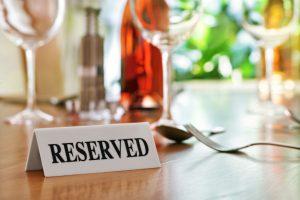 مزایا و معایب گرفتن رزرو در رستوران