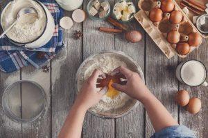 معرفی ۱۸ وسیله ضروری شیرینیپزی
