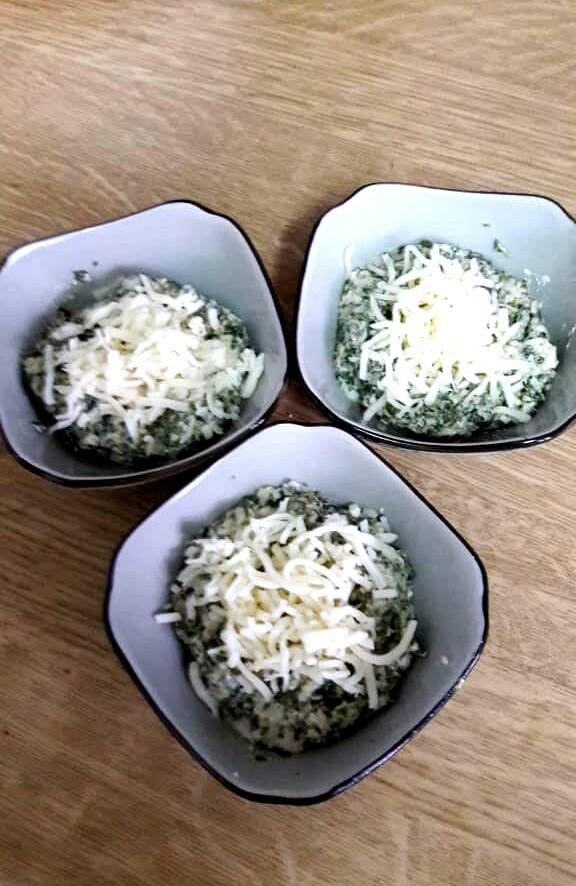 طرز تهیه اسفناج با دو پنیر