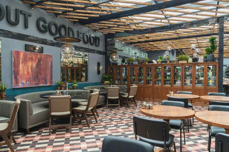 فضای داخلی رستوران ترکی اپستروف