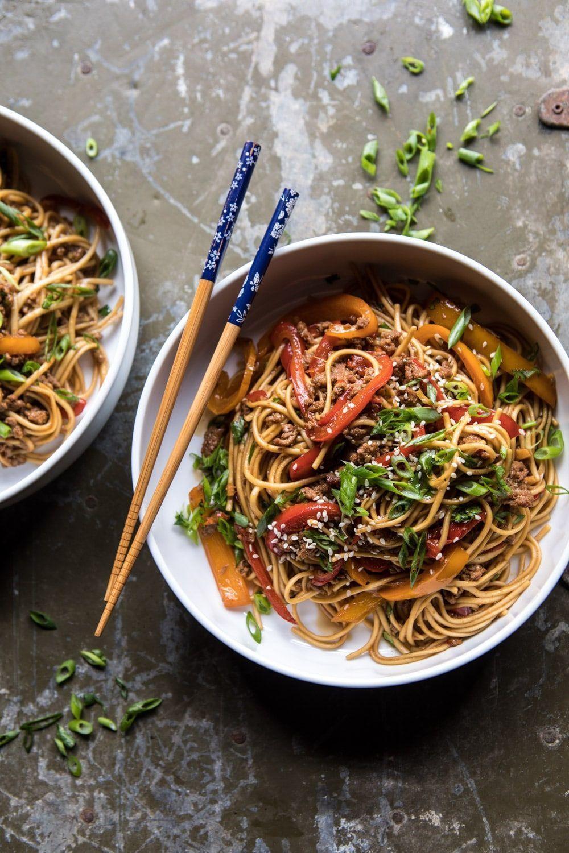 طرز تهیه سالاد نودل ساده و رنگارنگ برای گیاهخواران