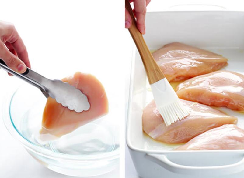 ترفندهای پخت مرغ ، استفاده از محلول آب و نمک برای طعمدار کردن مرغ