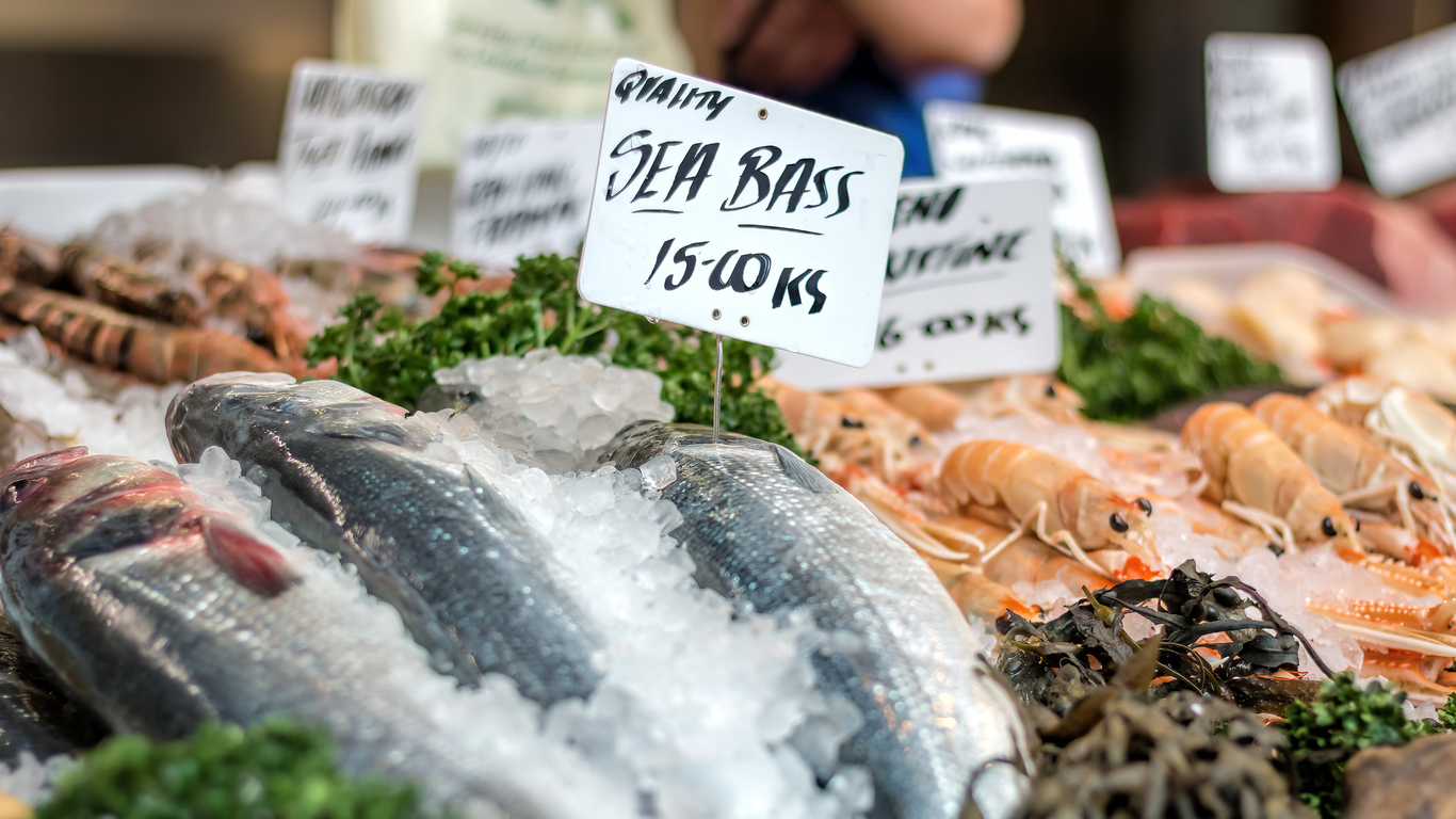 ترفندهترفندهای ساده پخت ماهی در خانه؛ خرید محصول تازهای ساده پخت ماهی در خانه