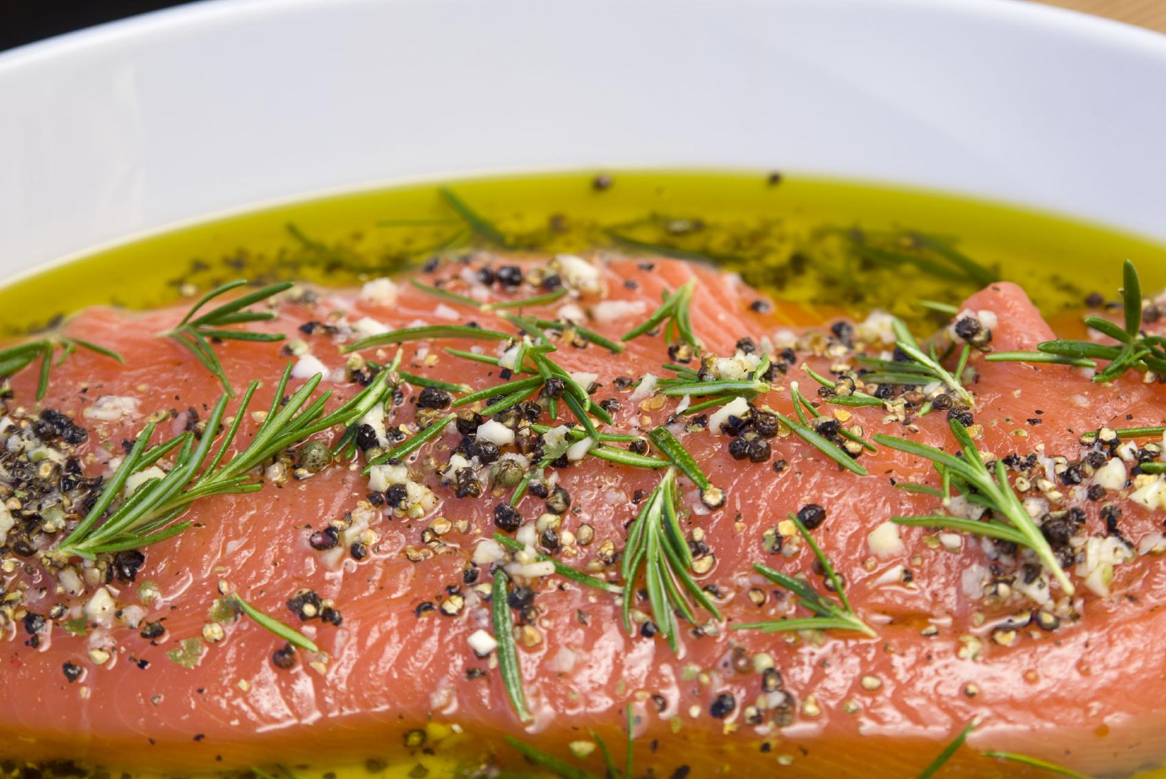 ترفندهای پخت ماهی ، مرینیت کردن به اندازه ماهی