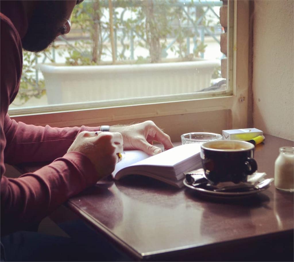 10 کافه دانشجویی برتر تهران، کافه کتاب ایما