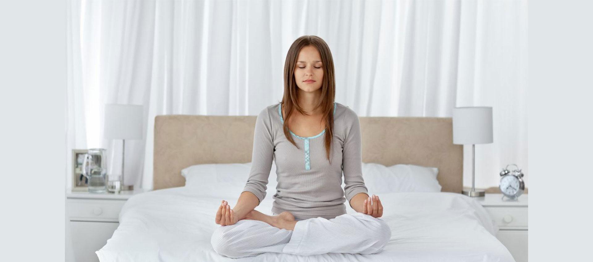 پیشنهاداتی برای درمان کمبود خواب یا بدخوابی، یوگا