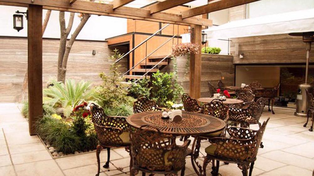 رستوران گیاهی آناندا