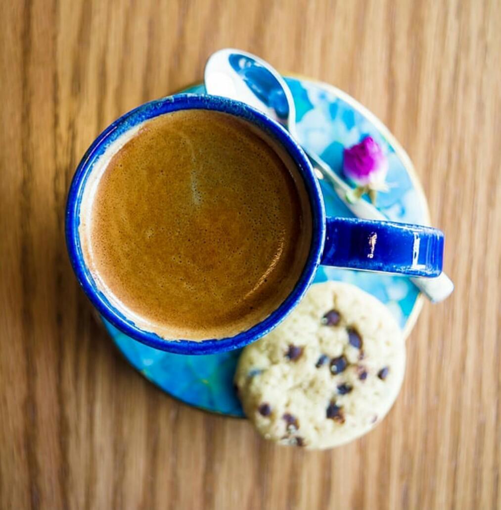 کافه و رستوران بادیز - قهوه جبل و الطارق