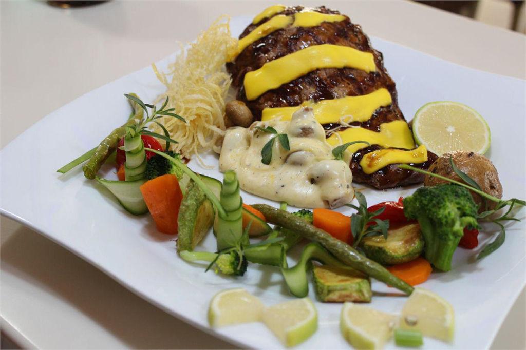 بهترین رستورانهای تهران با منو غذای فرانسوی - روبه رو