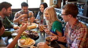 بهترین رستوران های مناسب جمع های دوستانه در تهران اینجا هستند!