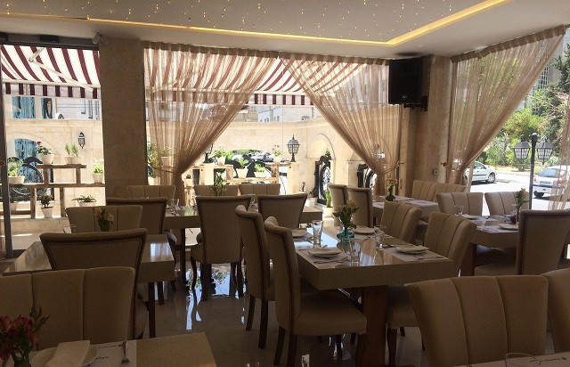 کافه رستوران شاندرمن