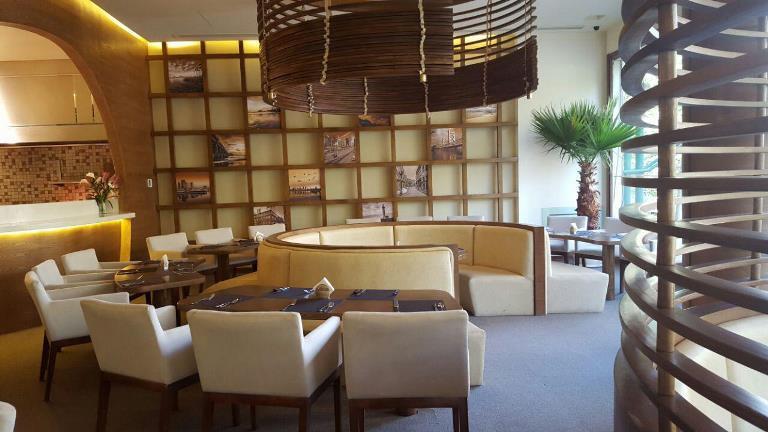 کافه رستوران گارنیش