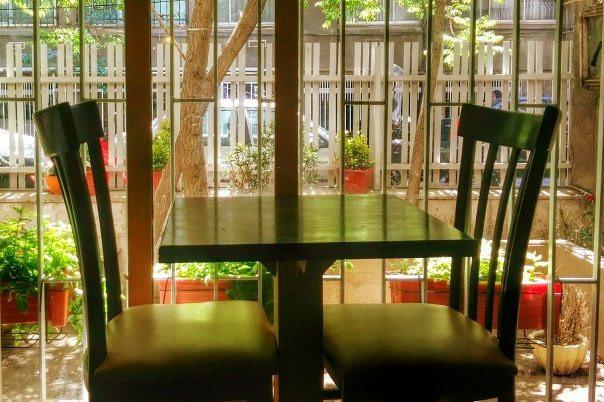 کافه اگزیت در دل یک پارکینگ