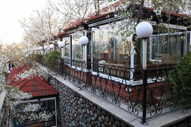 باغ رستوران باغ بهشت
