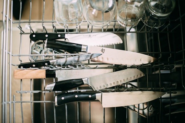 ماشین ظرفشویی- چاقو