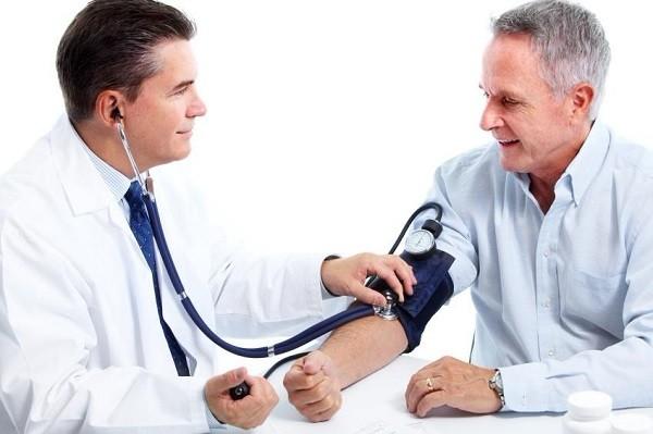 مصرف غذاهای ناسالم و دیدار با پزشک